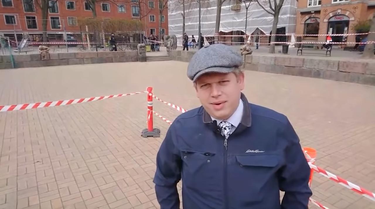 Rasmus Paludan på Blaagårds Plads i København. (Screendump/Stram Kurs/YouTube)